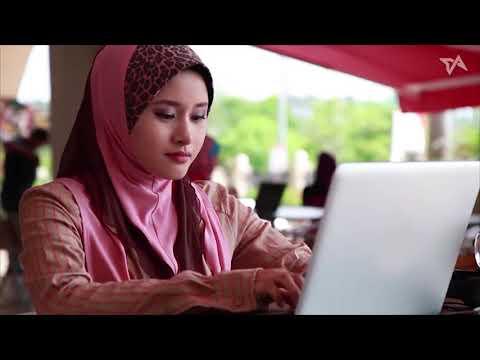 Startups chase Muslim millennials