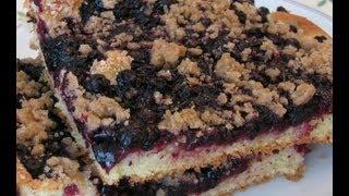 Открытый дрожжевой пирог с черникой и штрейзелем