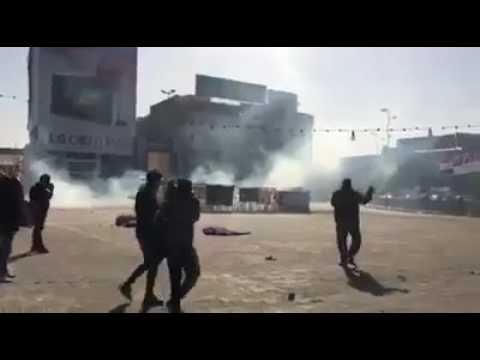 بالفيديو.. القوات الأمنية تفرق المعتصمين في ساحة التحرير بـ