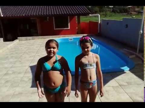 Desafio da piscina com minha amiga Maria!