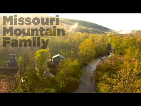 Missouri Mountain Family (show open)