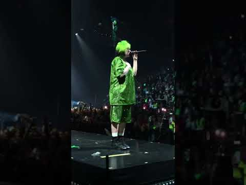BILLIE EILISH COUGHS UNCONTROLLABLY DURING PERFORMANCE OF NO TIME TO DIE IN MIAMI!!