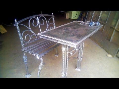 Ритуальный столик со скамейкой