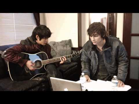 """Devon Bostick and Chris Larkin of """"The 100"""" Sing About The Show"""