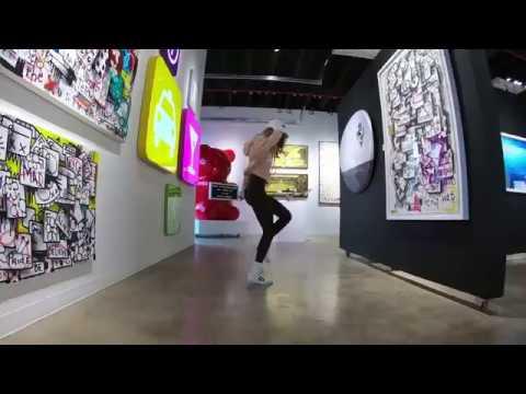 Art gallery grooves