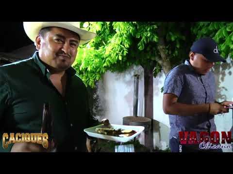 Vagon Chicano Ft. Caciques De San Luis – En Un Carril De Oklahoma (FARA FARA)