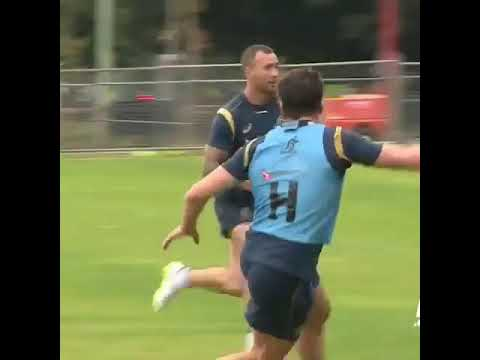 Quade Cooper side steps.
