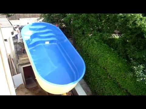 unipool swimmingpool funnycat tv. Black Bedroom Furniture Sets. Home Design Ideas
