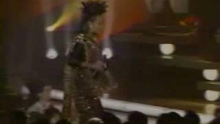 Patti LaBelle and Cyndi Lauper perform Lady Marmalade (live)