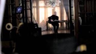 "Avril Lavigne - ""Let Me Go"" ft. Chad Kroeger Music Video (Behind the Scenes)"
