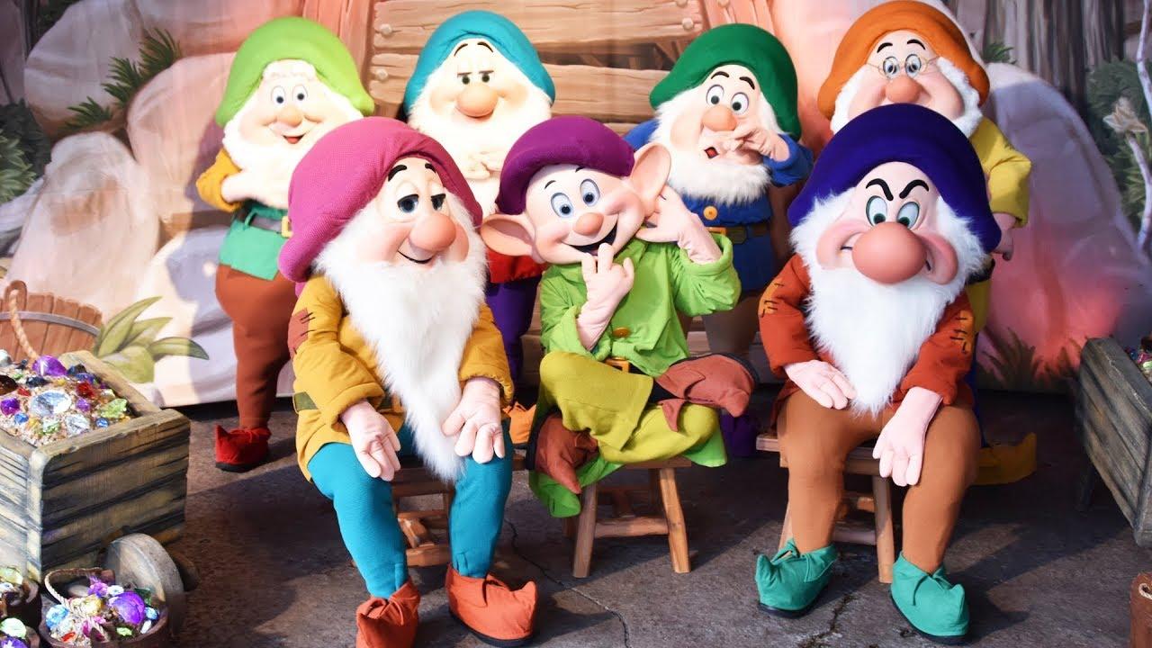 7 dwarfs meet the pope