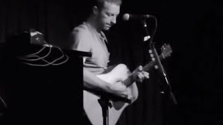 the scientist - coldplay (chris martin + guitar) acoustic live hd