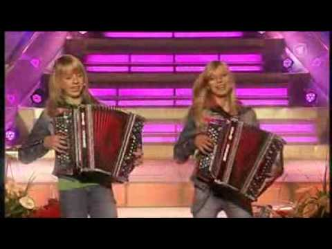 Die Twinnies - Peinlich (Embarrassing) The New Summer Hit Of The Twinnies