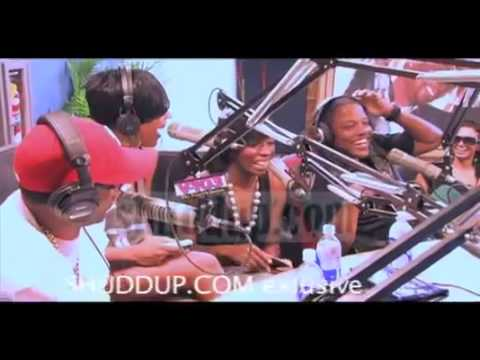 MA$E RUNS UP ON DIDDY LIVE AT A RADIO SHOW!!!!