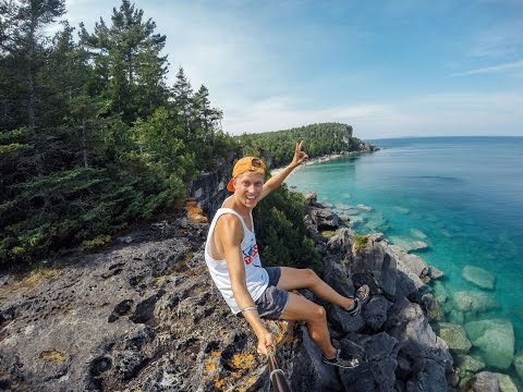 Me, myselfie stick and I – $1000 Budget Travel – North America – Canada & USA