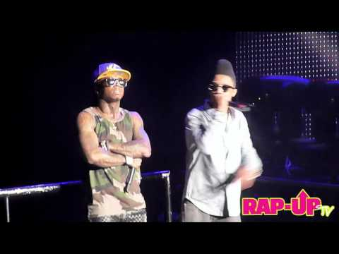 Lil Twist and Lil Wayne Perform 'Love Affair' at L.A.'s Staples Center