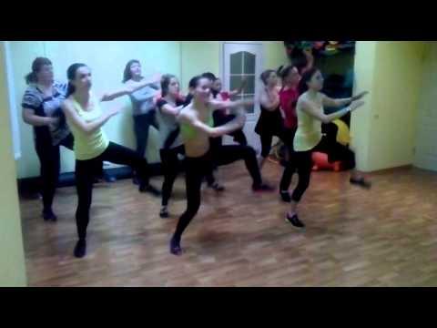 Зумба заводной танец в Фитнес клубе Позитив на Огнивке