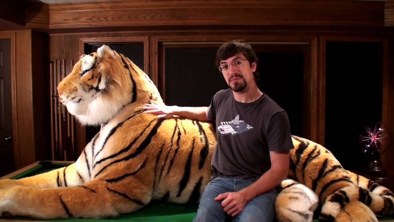 Amazing Life Size Stuffed Bengal Tiger 7 Feet Long 11 Feet Long