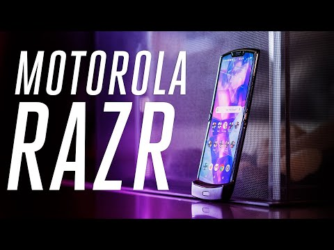 Motorola Razr review: folding flip phone flops