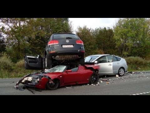 Lamborghini Veneno Roadster Amazing Crashes Choques Increibles
