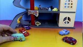 Disney Pixar Cars Lightning McQueen & Filmore save Sally's sister Professor Z with a Gigantic Lemon