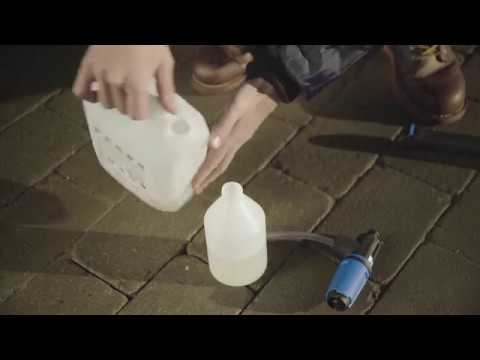 Demonstration of how to use Nilfisk Super foam sprayer