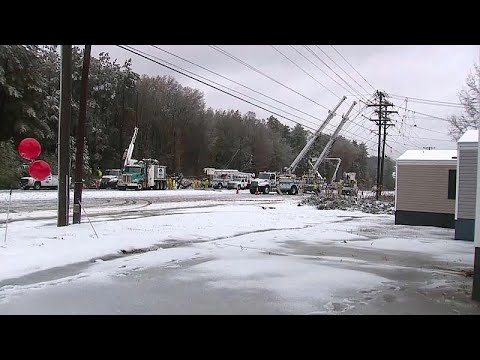 فيديو: مقتل شخص و 310 آلاف بدون كهرباء بسبب عاصفة ثلجية جنوب شرق أمريكا…  - نشر قبل 3 ساعة
