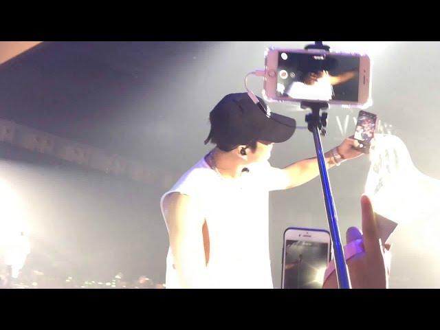 180804 LOOK & FLY Encore GOT7 Jackson taking selfie!! + Cute Jackgyeom!!