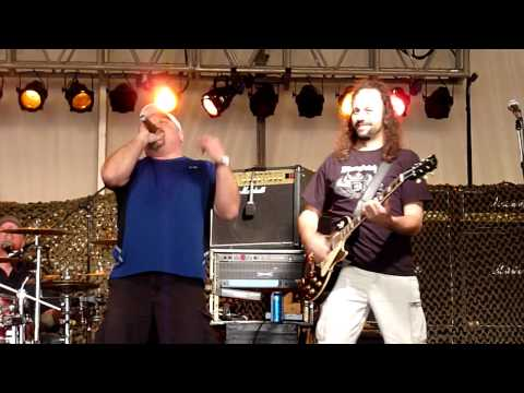 Uncle Chunk Cover Band Sings live