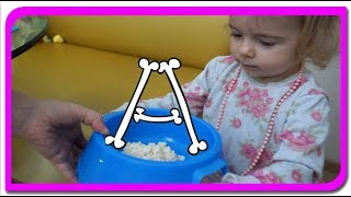 TOBY invata alfabetul!  Cantecul alfabetului la Anabella Show