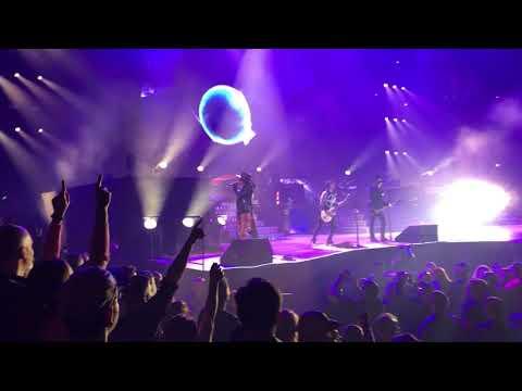 Guns N' Roses - Black Hole Sun - United Center 2017