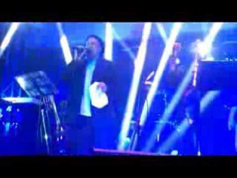 Mauricio Silva en Panama cantando  Los dias pensando en ti con La K Samba Agosto 2013