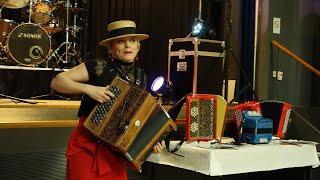 Sylvie NAUGES St Pantaléon de Larche mars 2019 Polka Java Fox