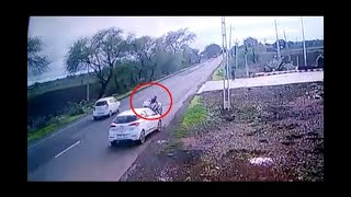 Morbi : Car Accident With Bike Near Tankara, Watch CCTV