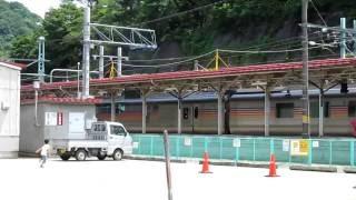水上駅で、たまたま見かけました。たぶん臨時列車だと思うのですが、カ...