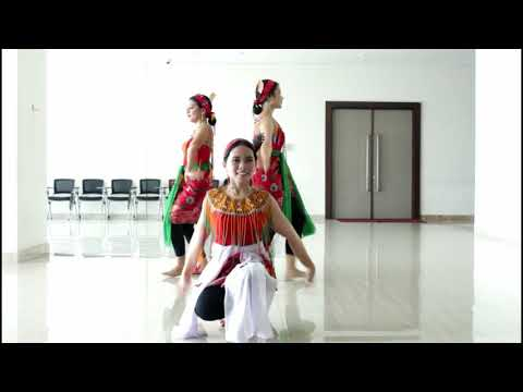 Tari Ruai - KALIMANTAN BARAT INDONESIA CULTURE By NURSING FESTIVAL UPH 2018 (Got Talent)