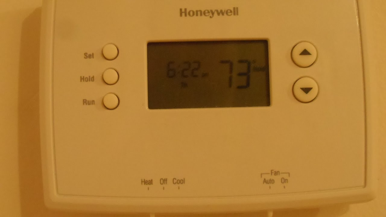 quick battery access honeywell thermostat rth2300 rth221 [ 1280 x 720 Pixel ]