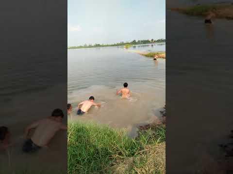 เล่นน้ำขว้างดินฮา 1vs3 มาดูกัน😂🌊