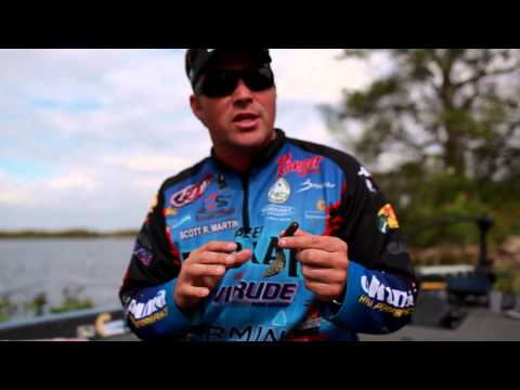 Bass Fishing: How to Pick the Right Size Fishing Hook when using a Plastic Worm