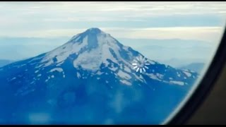 Landing in Portland Oregon USA HD - Mountains Green Scenic
