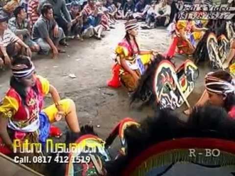 Jathilan Dangdut Putro Nuswantoro Putri (Javanisme Traditional Art Dance)