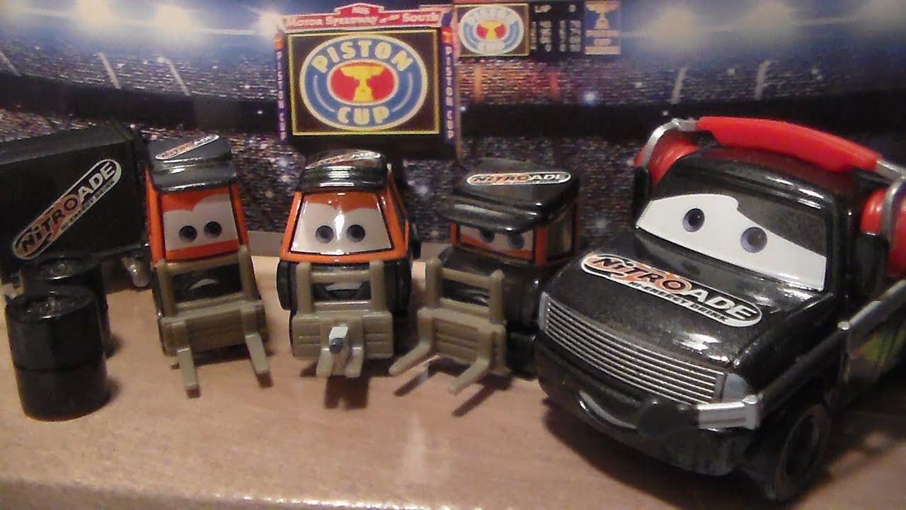 Team Nitroade Crew Hugo Fast 2010 Mattel Disney Pixar