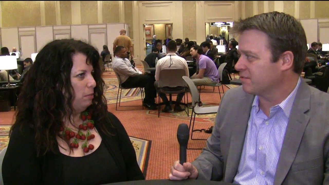 Lisa Suennen speaks to Leonard Kish at HIMSS 2016
