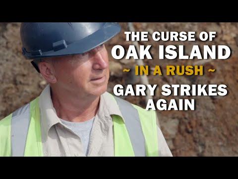 The Curse Of Oak Island (In A Rush) | Season 7, Episode 10 | Gary Strikes Again