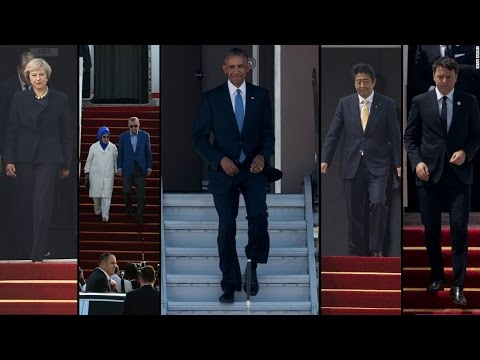 G-20; No Red-Carpet Stairs for US president Barack Obama at Air Force One