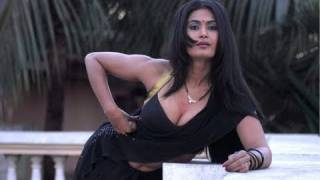Repeat youtube video Savita bhabhi Ke Sexy Solutions on Long & Strong Hair