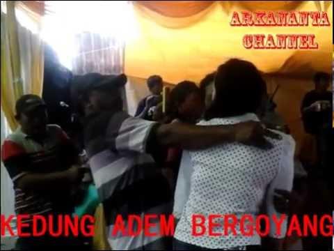 Peluk Cium Sambil Joget Rame Rame live in Bojonegoro
