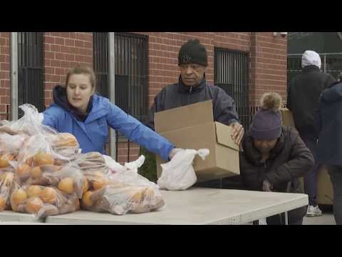 Demand explodes for New York food banks as unemployment rises | AFP