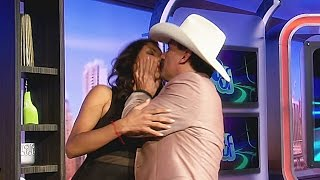 ¡El Chapo de Sinaloa le plantó tremendo beso a Nathalia Casco!
