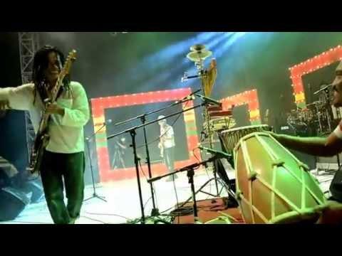 Tony Q Rastafara - Ngayogjokarto (Live In Jakarta Reggae Movement)